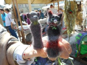 Finger puppets depicting your dear cat or bear